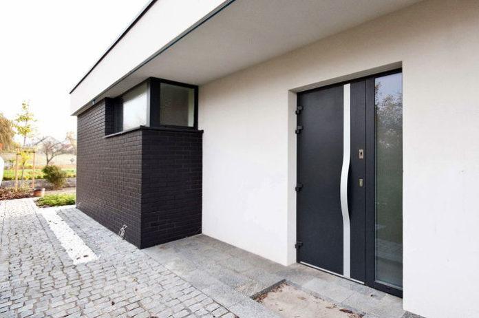 drzwi wejściowe do domu, drzwi zewnętrzne do domu