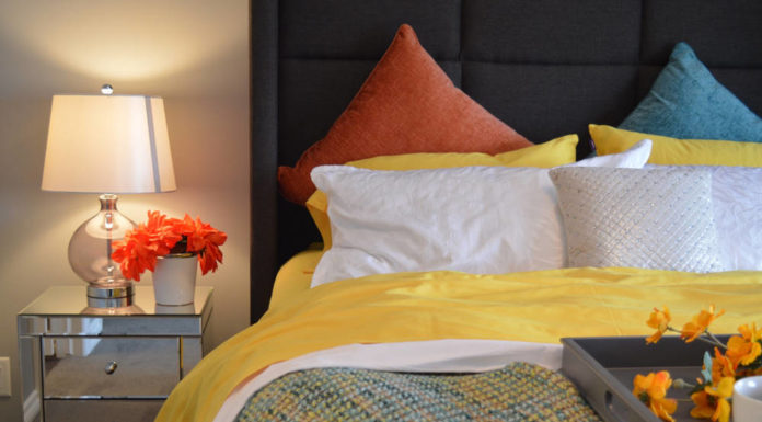 Stylowe i praktyczne oświetlenie sypialni – co wybrać?
