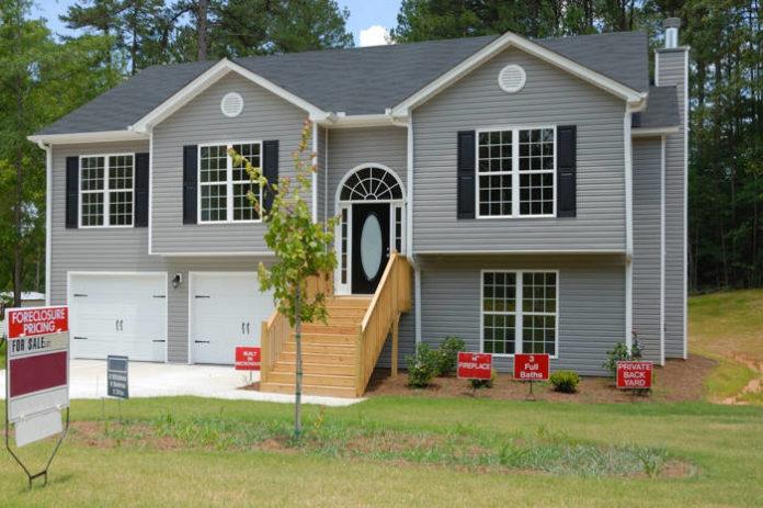Jakie wybrać drzwi wejściowe do domu?