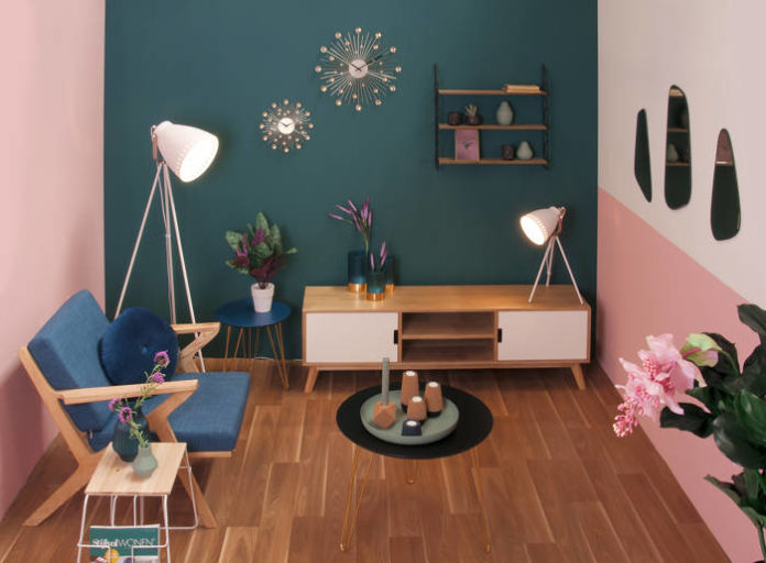 Jak odświeżyć wnętrze za pomocą stylowych dodatków?